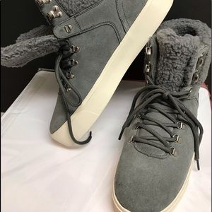 Marc Fisher sz10 Grey suede boots